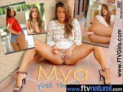 Teen Cute Amateur Girl Masturbate movie-17