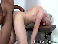 Gay amateur twink gets dirty