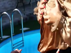 Glamorous outdoors watersports soak lesbians
