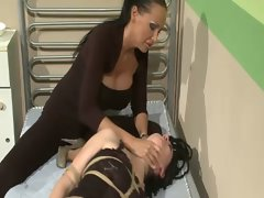 Lezdom mistress wants total control