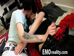 Young emo twink makes out as he gets a handjob and then head