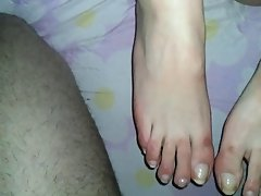 amateur footjob cum feet
