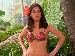 Mila Kunis That 70&amp,#039,s Show Coconut Bikini