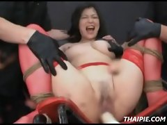 Thai Teen Gets Her Pussy Stretched