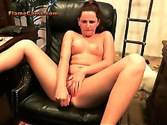 Brunette Amateur Teen With Shaved Pussy