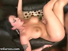 Beautiful Curvy Slut Loves Titty Cumshots