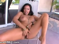 Hot Latina Wants To Fuck