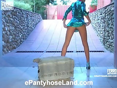 Helga in great pantyhose video