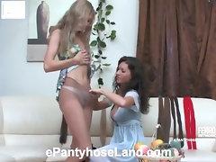 Elvira&Stephanie kinky pantyhose video