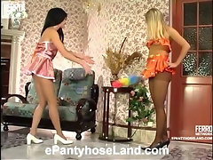 Ottilia&Rosaline mindblowing pantyhose video
