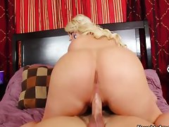White girl Julie Cash gets ass licked