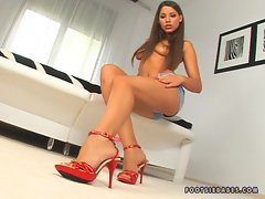Nympho Zafira naked and all alone with only her beautiful feet