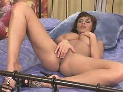Big titty Veronica Vanoza having a hot and nasty self-pleasure session