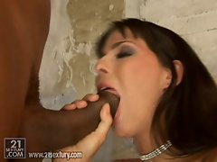 Simony Diamond thinks black dicks are made for licking and sucking
