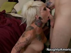 Big titty amateur porn star Jessie and her bedroom act with long dick in mouth