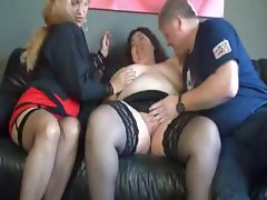 Chubby, mature ladies in a threesome take turns blowing and banging
