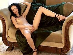 Skinny hot chick masturbates her pussy