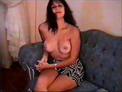 Milf amateur enjoys modeling her body