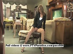 Brittni lovely Sexy girl Masturbating