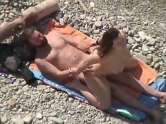 HidCams rus BEACH Two Horny COUPLE FUCK 23 - NV