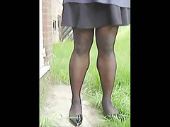 TGirl Stockings In The Wind 150xh