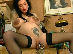 Pregnant O&amp,#039,Pearl Huge Cunt Ring