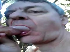 glenne in public rest place sucking cock
