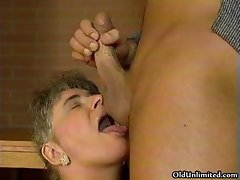 Fat old mature wife loves sucking big part3