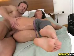 Niky Sweet gets her tight pink pussy stretched by thick cock pounding twat