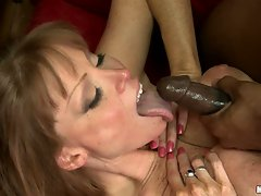 Darla Crane likes the awesome shot she gets after a horny fuck