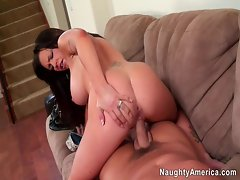 Jenna Presley spreads her legs wide to choke her pussy with a dildo