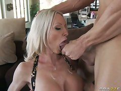 Porn milf Emma Starr pleases a firm cock in her mouth until it explodes on her