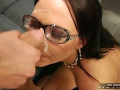 Cum lover Simony Diamond gets cummed on her sexy mouth after one awesome fuck