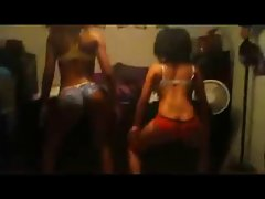 2 gorgeous black girls wit nice ass  dancing shake booty