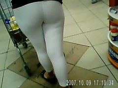 Alicia pagando de spandex