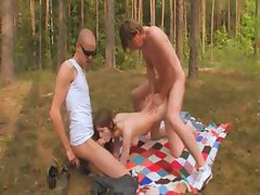 Amateur slovak threesome in the forest