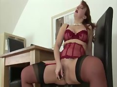 Nasty mature fetish brit in stockings