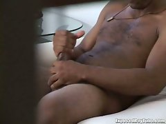 Dude showers and gets caught on cam jerking off