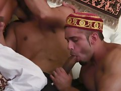 Horny arabian dudes sucking each other