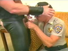Gay police sucks and sucked by leather guy