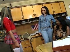 Three horny ebonies eat each other