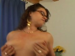 50 year old mama brunette likes to fuck hunk