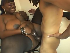 Slutty black babe wants some nice big cock inside her