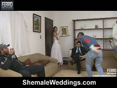 Shemale babe takes on big hole dick