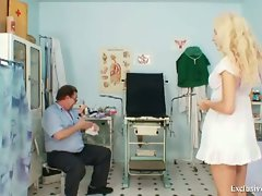 Gorgeous blonde Vendula goes to a gynecologist