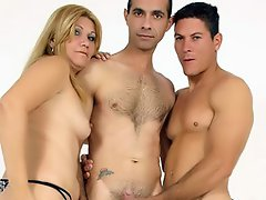 There's nothing like a hot threesome with a MILF. Eduarda Vanuchi...