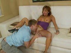 Bigtit Latina cougar milks a penis