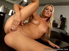Sophie Moone blonde babe finger fuck on chair