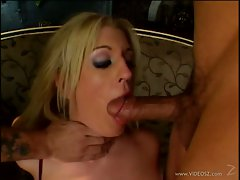 Alexis Texas gang bang cock blowing in the house