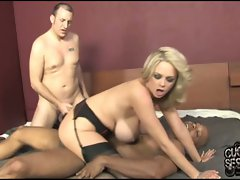 Katie Kox show to a white guy how black cock fuck hard